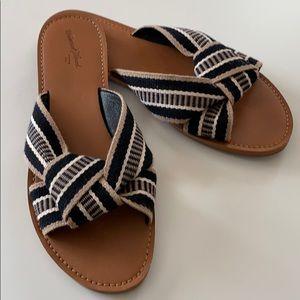 Universal Thread Slide Sandals
